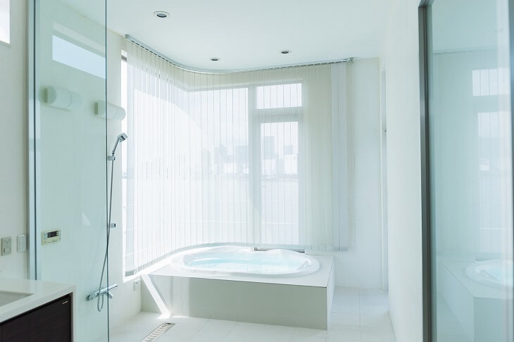DIYで浴室床のリフォームすることで施工代を抑えることも可能