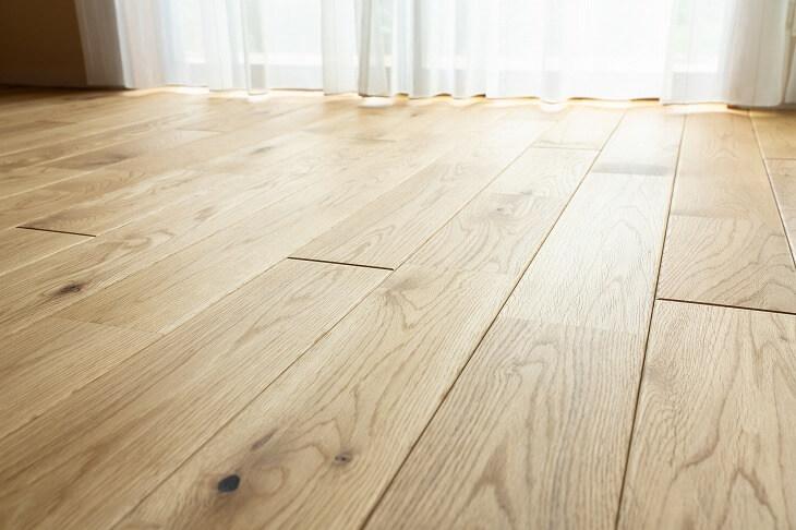 壁紙や床材の張替え