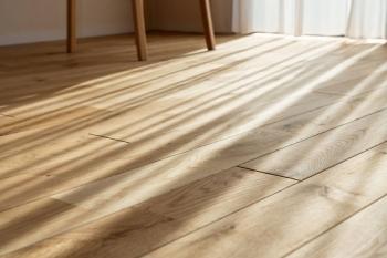 フローリングの色が部屋の印象を決める|張替え前に床の種類や見本でシミュレーションしよう