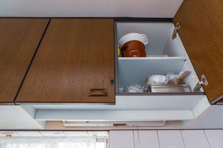 キッチンの吊り戸棚の高さも考慮する