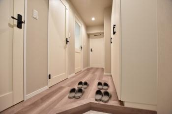 【セザール荻窪 401号室】開放感たっぷり。4階建てマンション最上階角部屋の暮らし
