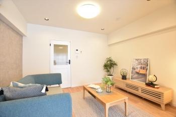 【マンションVIP柏木 507号室】温かい雰囲気に和む、ヨーロッパテイストの部屋