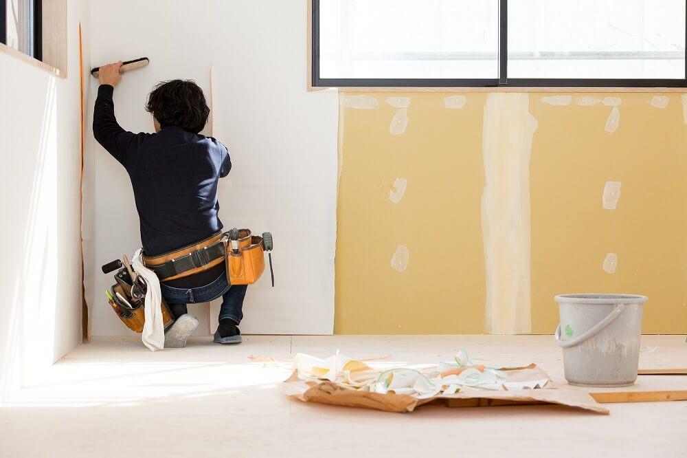 壁紙・クロスの張替え費用の相場|一軒家・マンション・部屋別に紹介